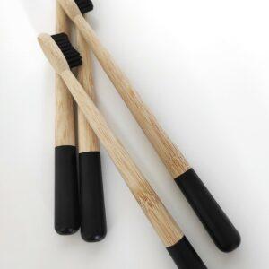 bambusz 4-es fekete fogkefe csomag